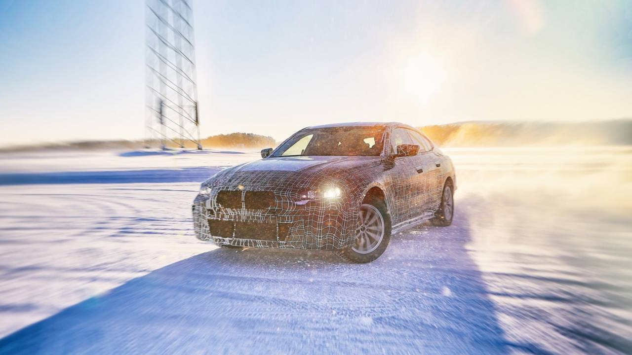 BMW i4 teases a 530hp electric sedan with big range boasts