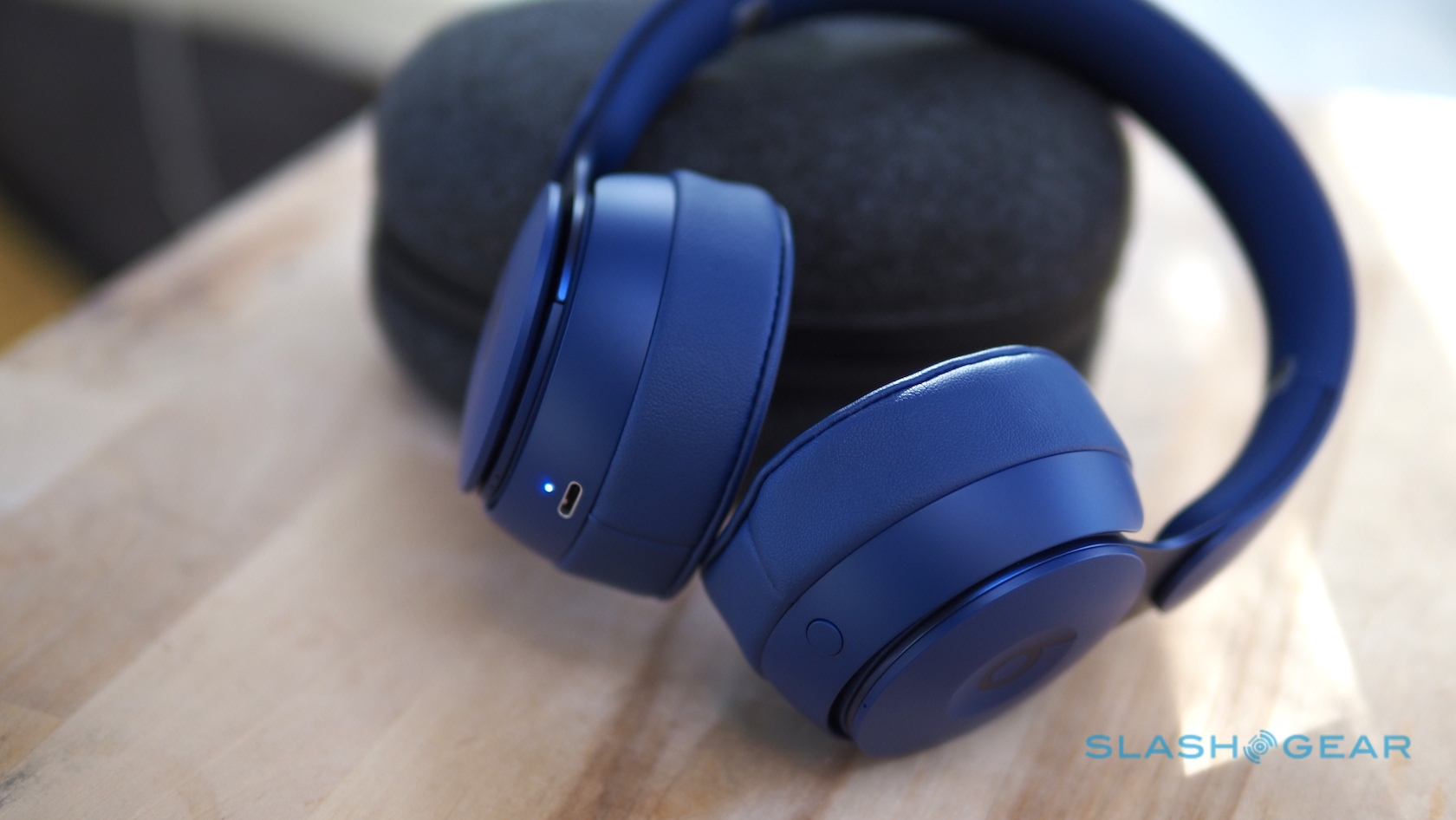 Beats Solo Pro Review Active Noise Cancellation With An Apple Core Slashgear