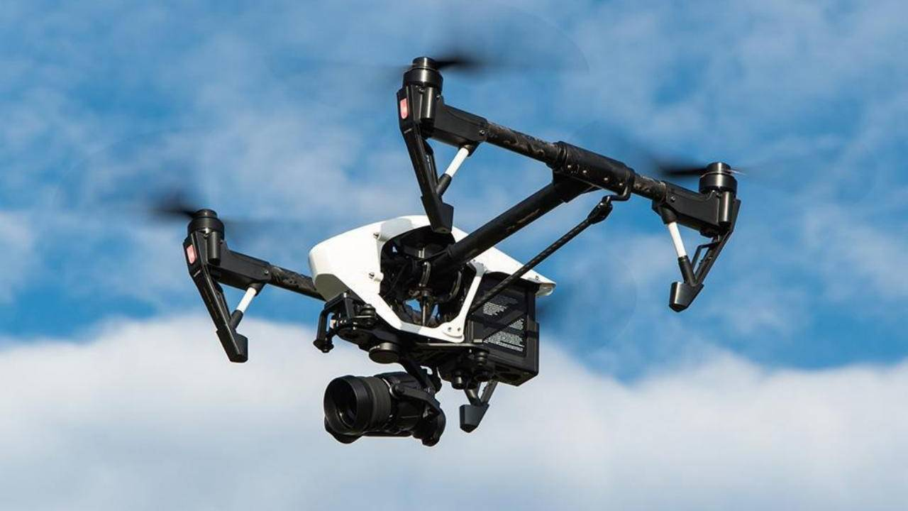DJI mobile app will let anyone identify drones in flight