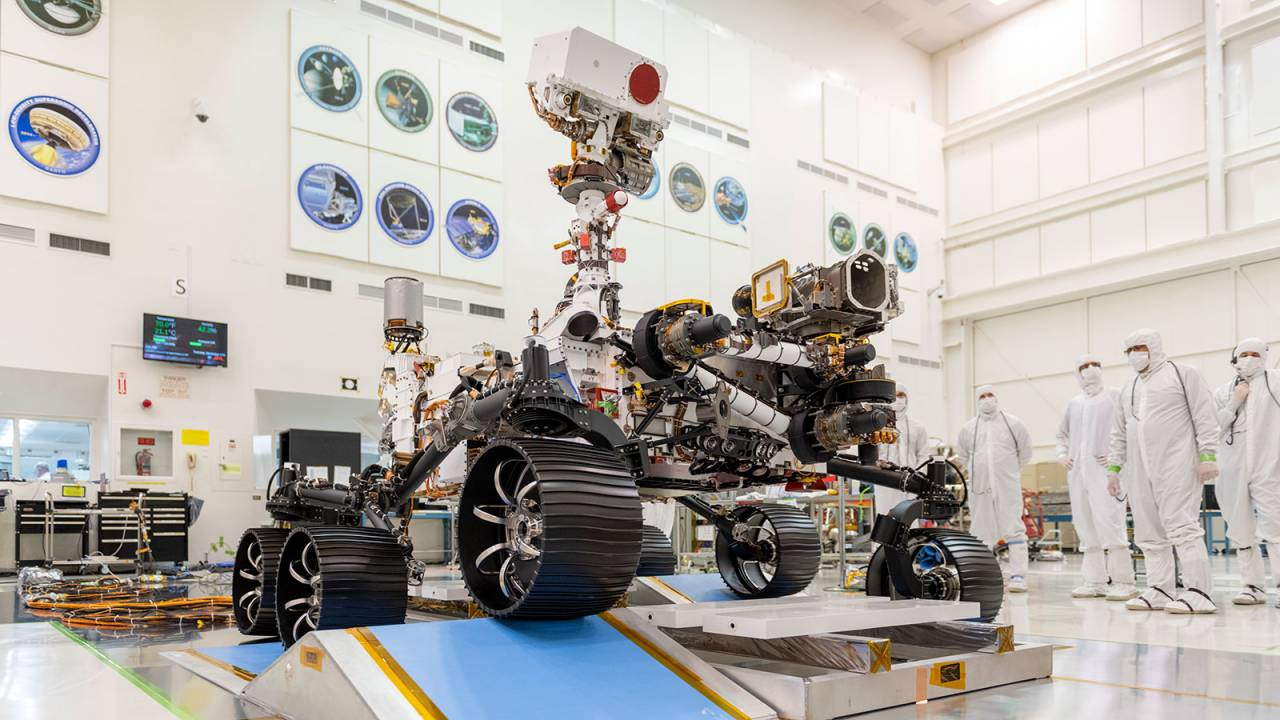 Watch the Mars 2020 rover ace NASA's first driving tests