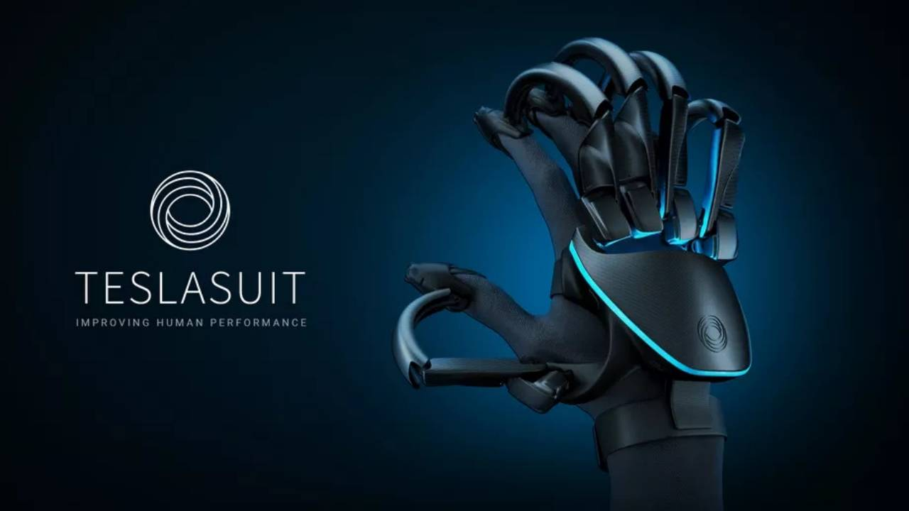 Teslasuit Gloves try to make you feel VR objects like they were real