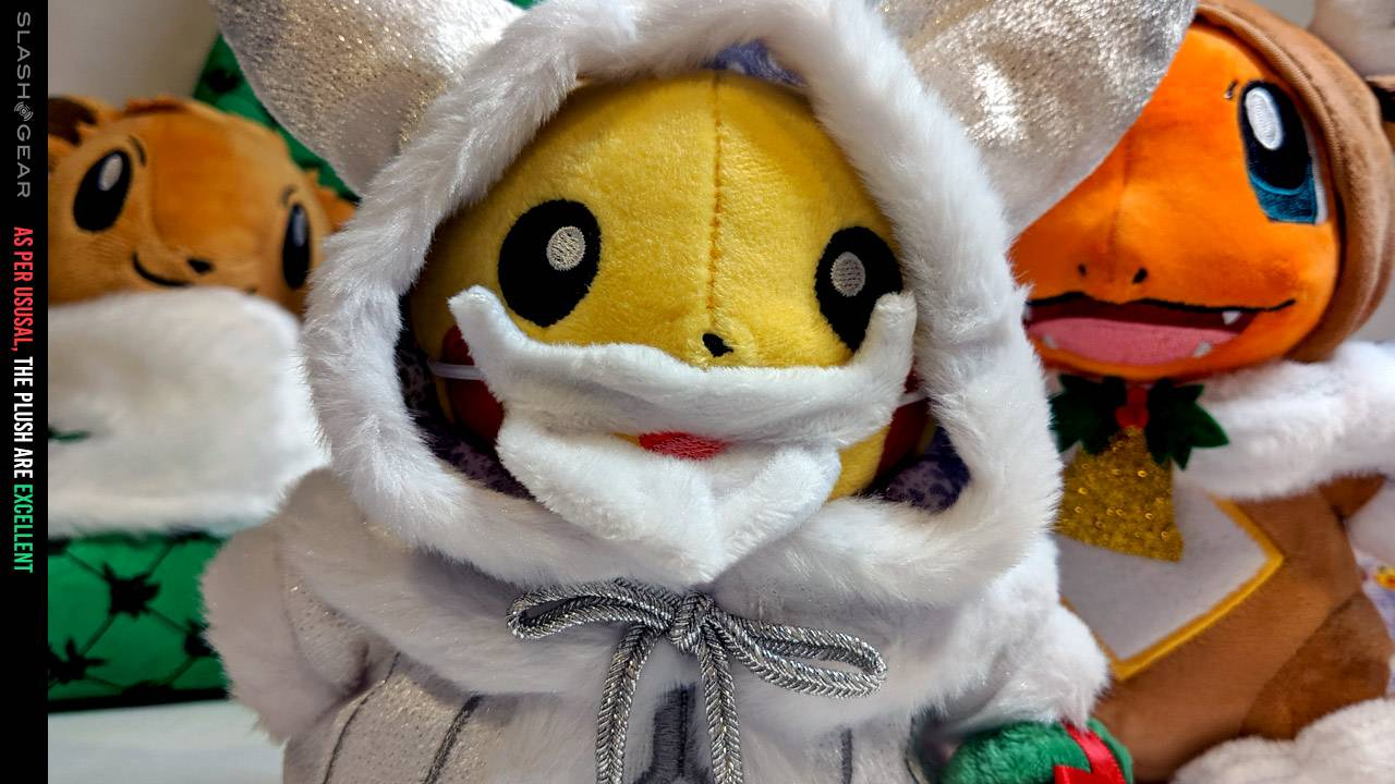 Official Pokemon Center Pokemon Holiday Collection 2019 hands-on