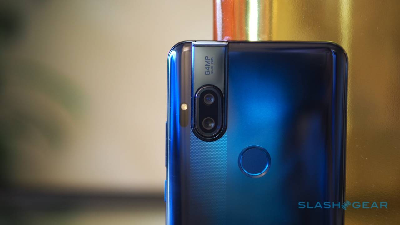 Motorola One Hyper: $400 Android 10 phone with a pop-up selfie cam