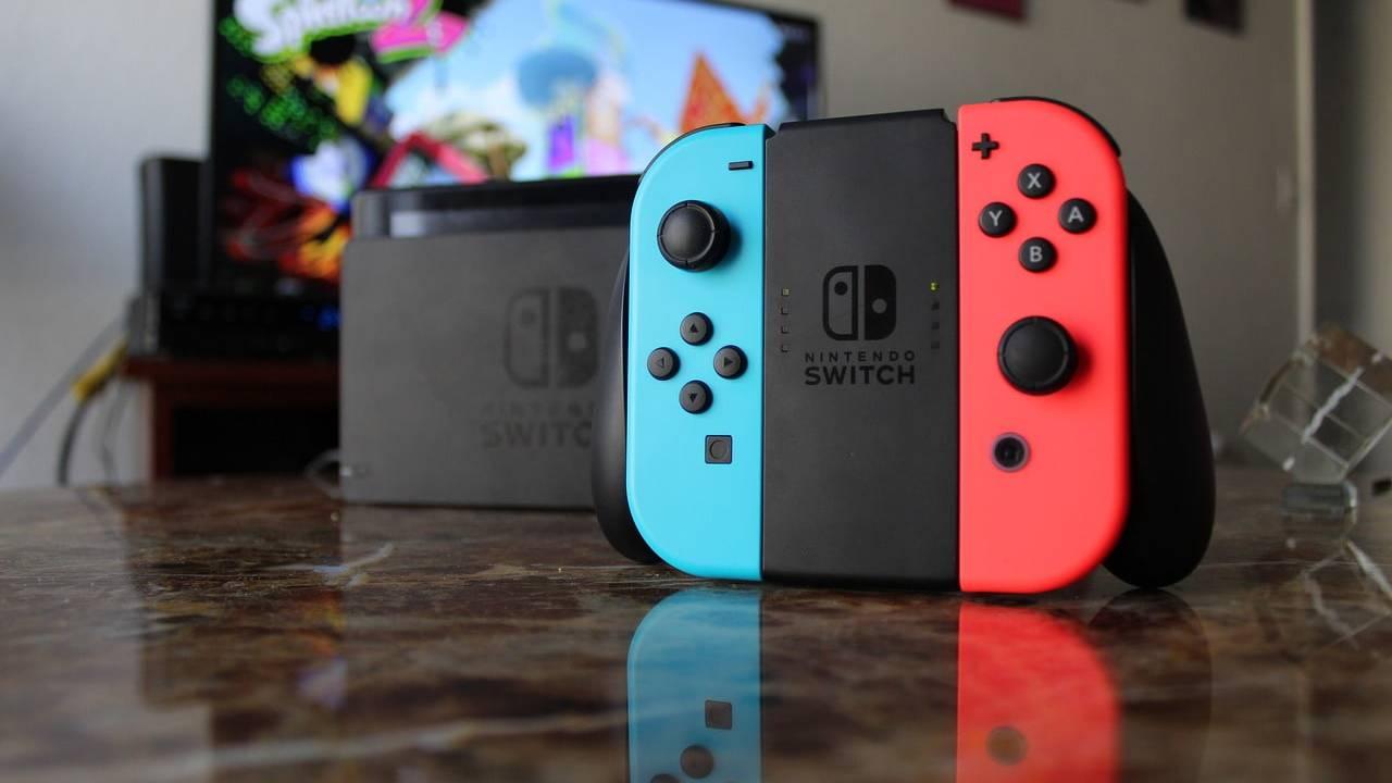 Nintendo Switch Cyber Monday bundle serves up free microSD card