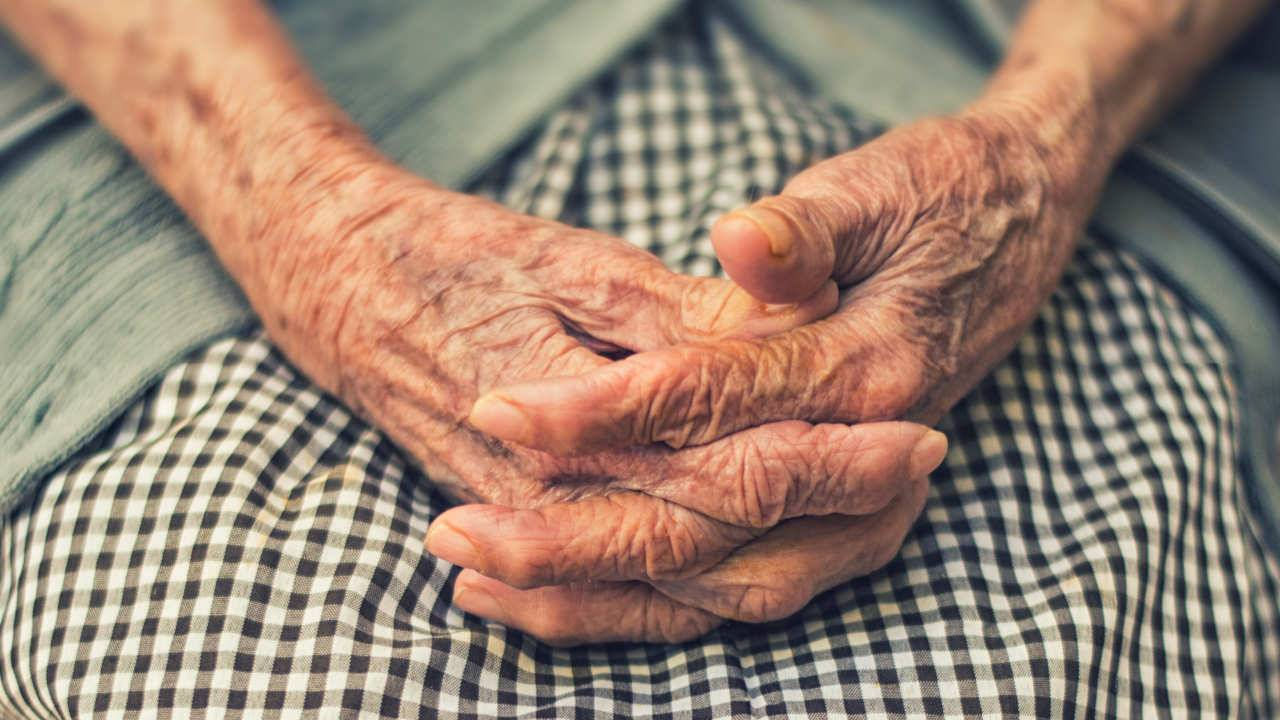 Stanford scientists link distinct points of aging to three specific years