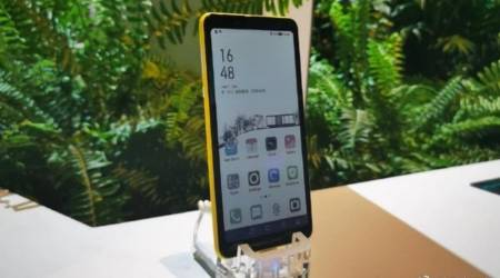 Hisense color E-Ink phone could offer a different cure for phone addiction