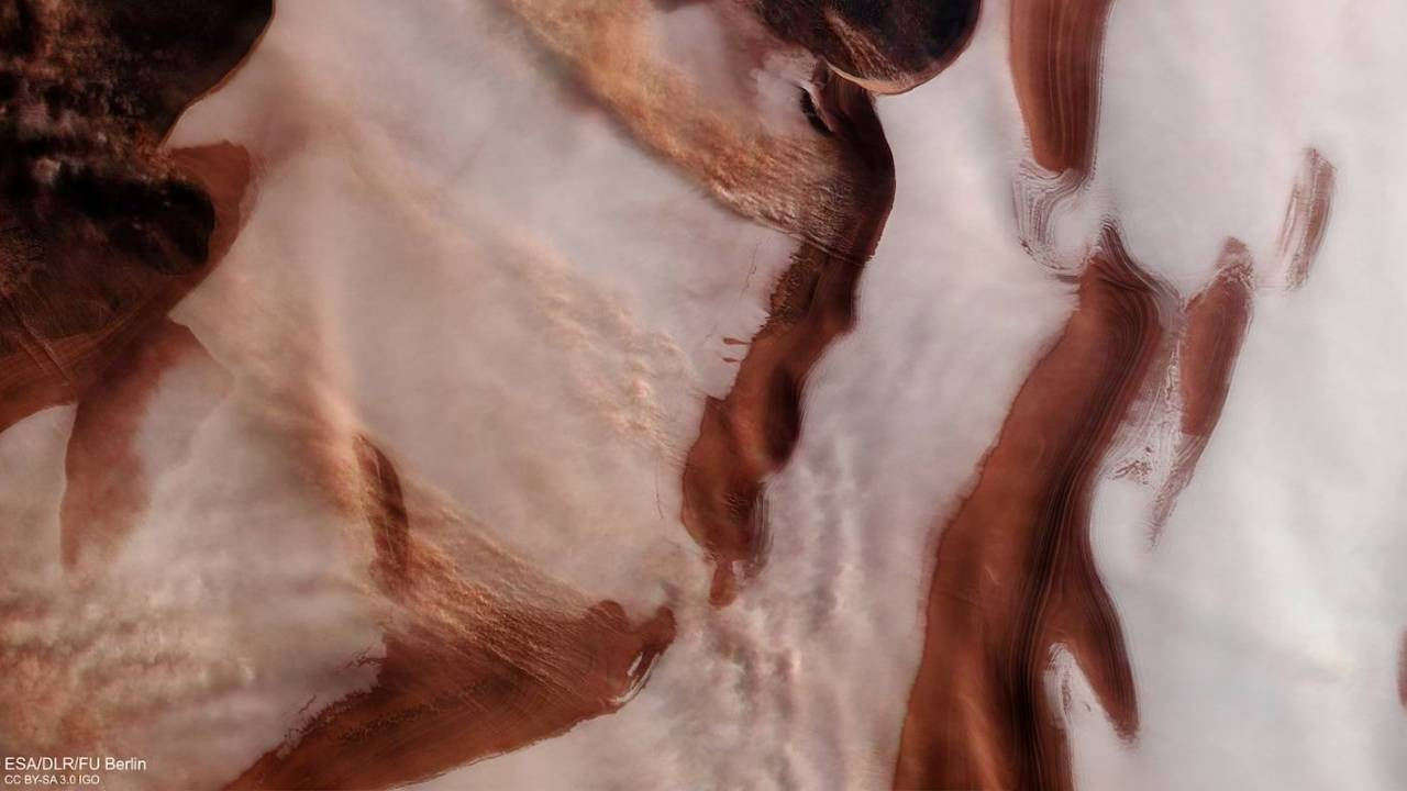 ESA's Mars Express snaps stunning image of Red Planet's icy cap
