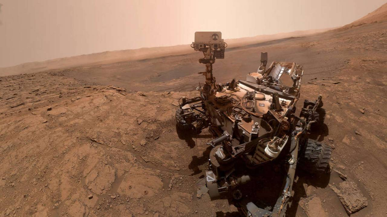 An unexpected glitch left NASA's Curiosity rover frozen on Mars