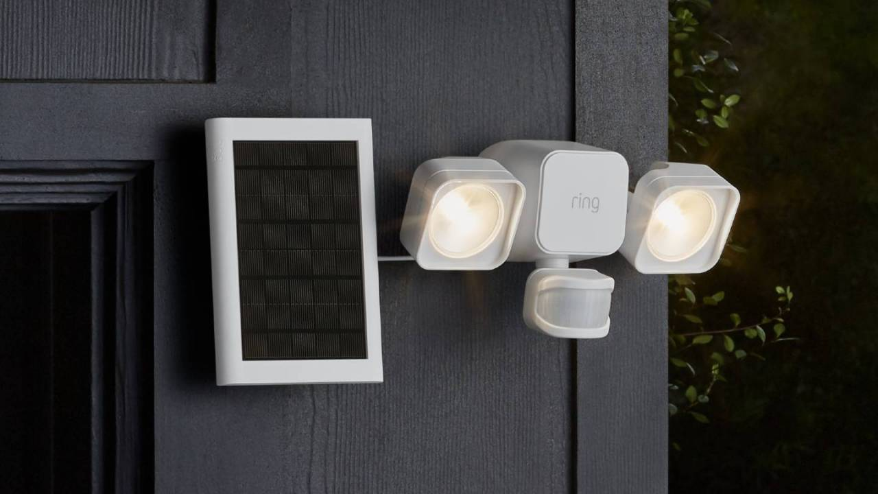 Ring's new smart home gear includes connected indoor and outdoor bulbs