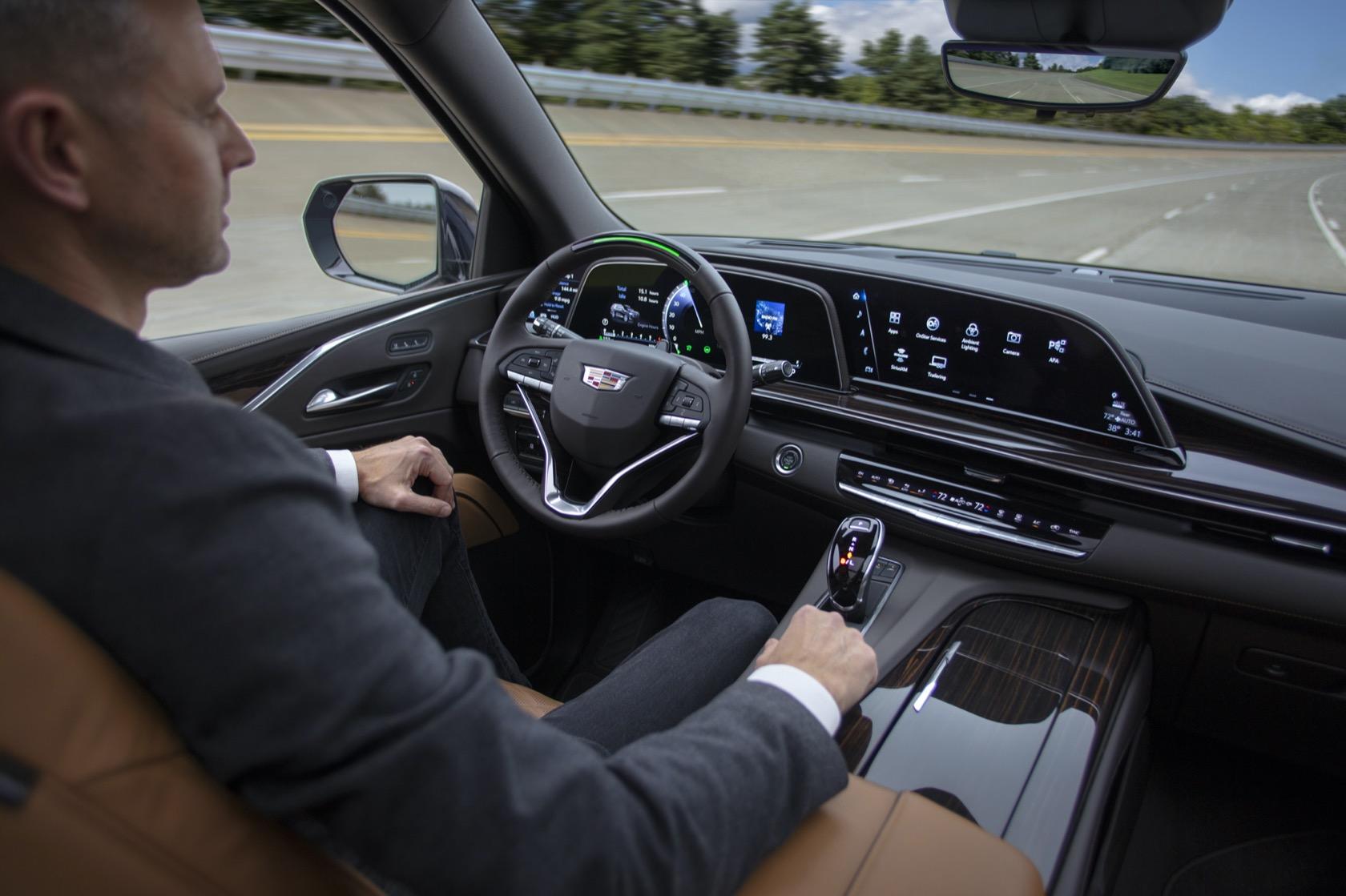 2021 Cadillac Escalade official: Legendary SUV gets more ...