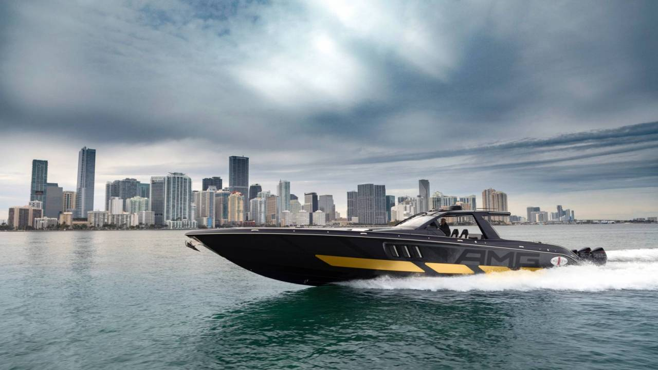 This 2,700hp Mercedes-AMG x Cigarette Racing 59' Tirranna yacht blew my mind