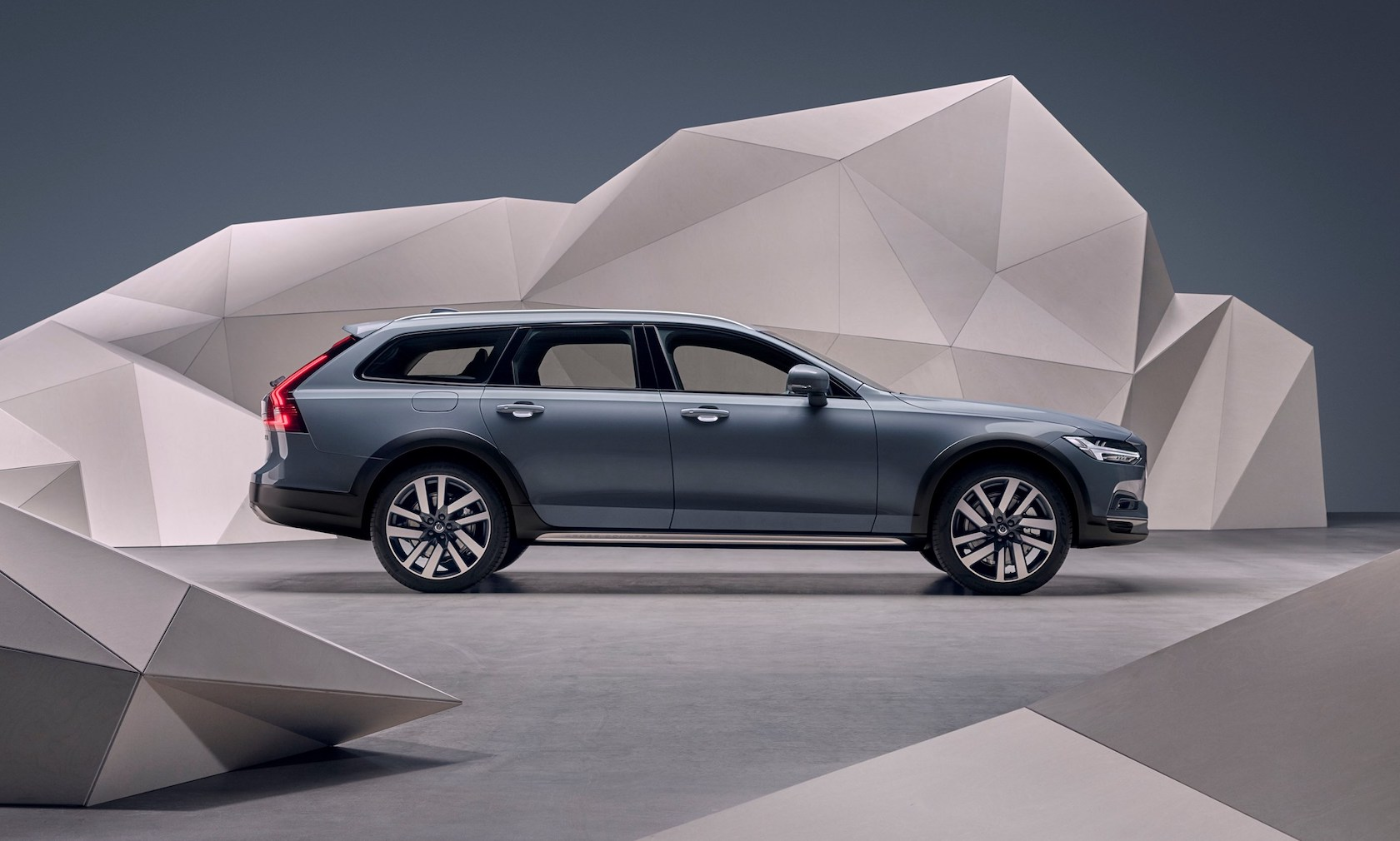 2020 Volvo V90 Specification Pictures