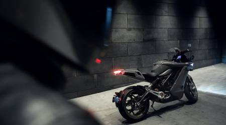 Zero SR/S electric motorcycle is a comfier cruiser (but it's definitely not slow)