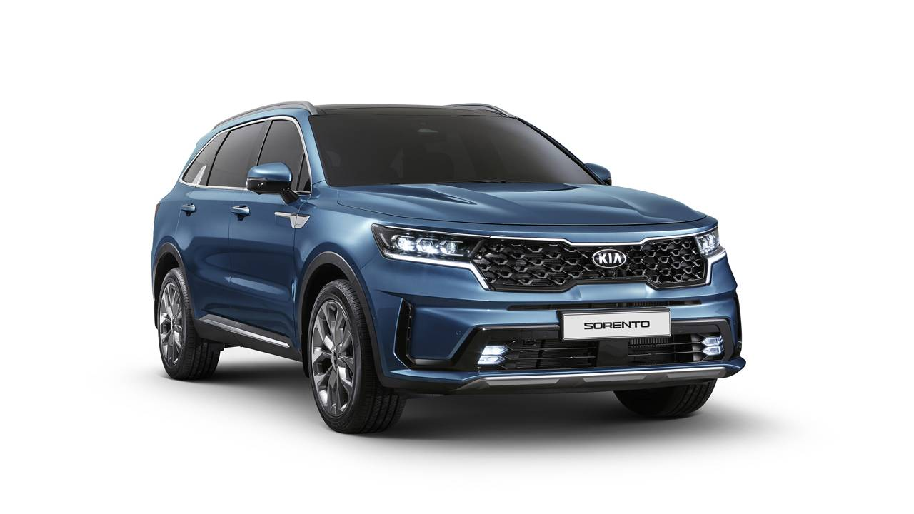 First images of next-gen Kia Sorento surface