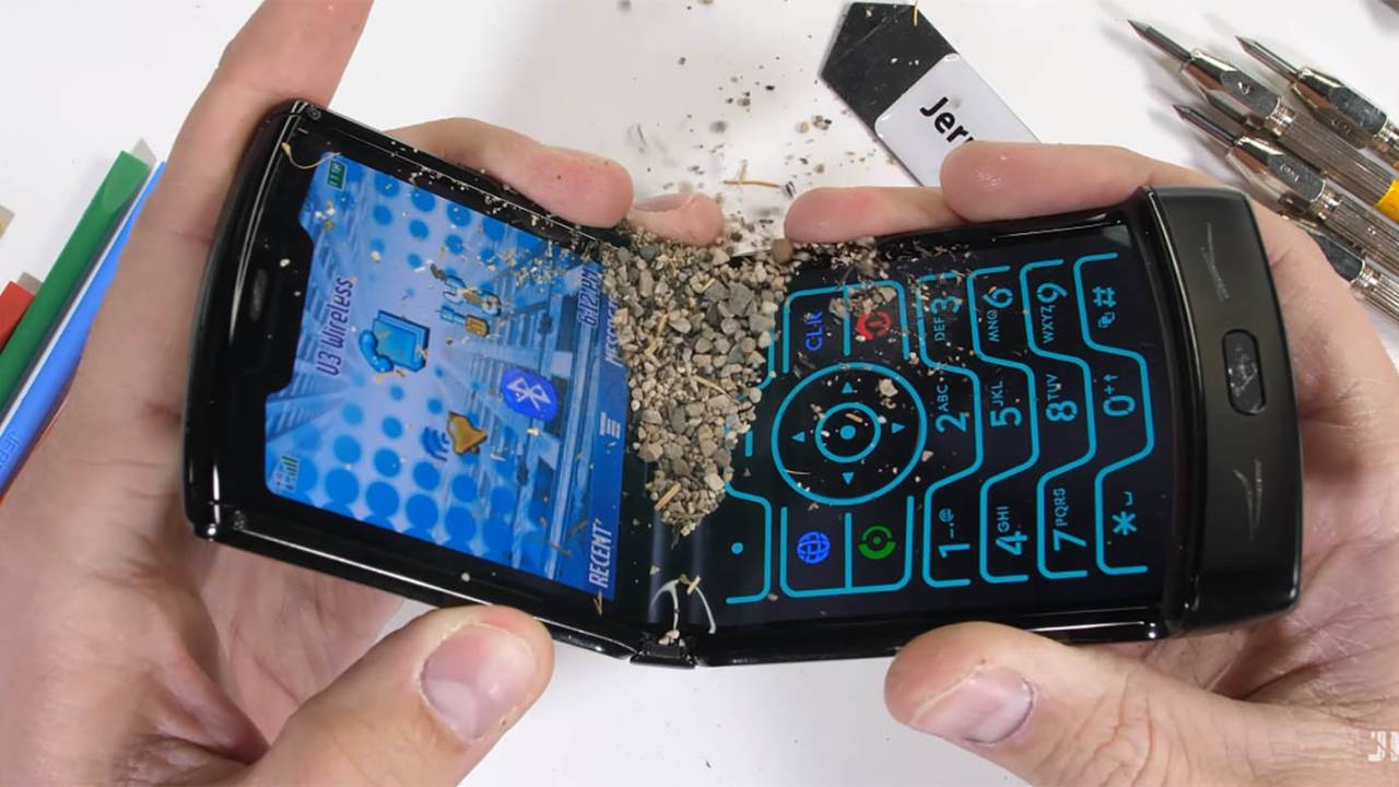 Motorola Razr torture test includes pocket sand and razors