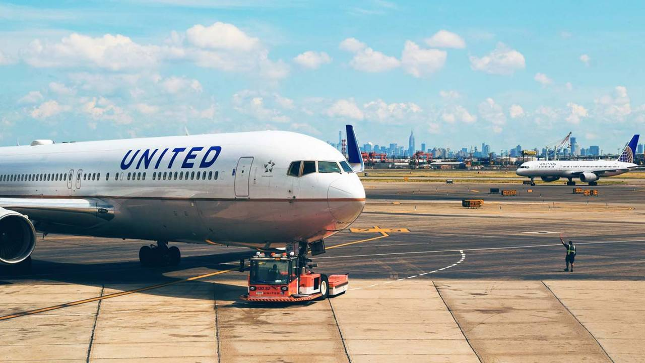 United Airlines suspends many flights to Asia over coronavirus