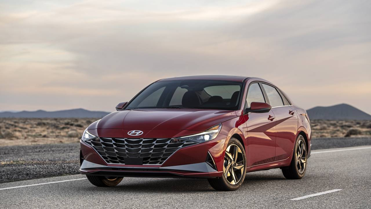 2021 Hyundai Elantra debuts packing wireless CarPlay and Android Auto