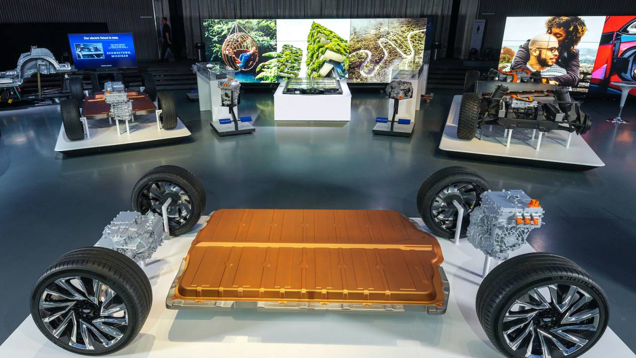 GM Ultium batteries revealed as core of new 400+ mile EV platform