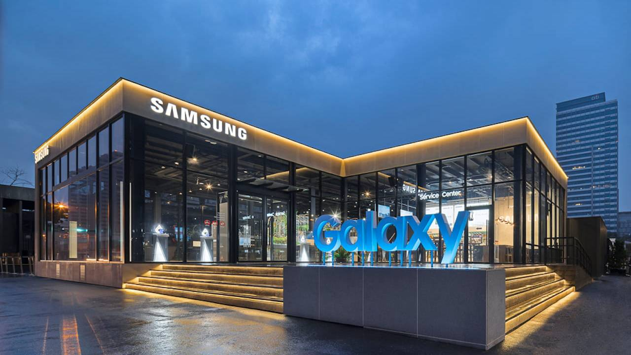 Samsung is closing all US stores due to COVID-19