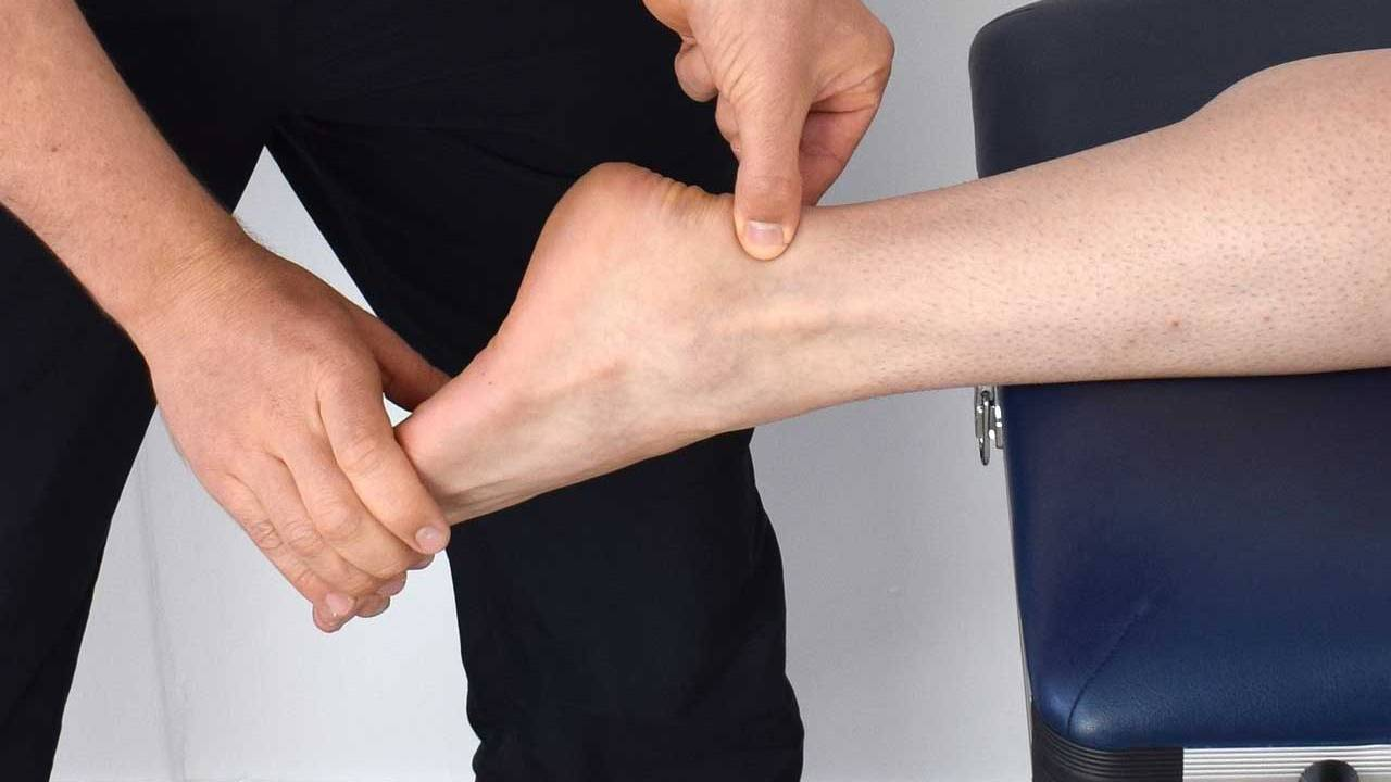 Stanford University engineers develop ankle exoskeleton to make running easier