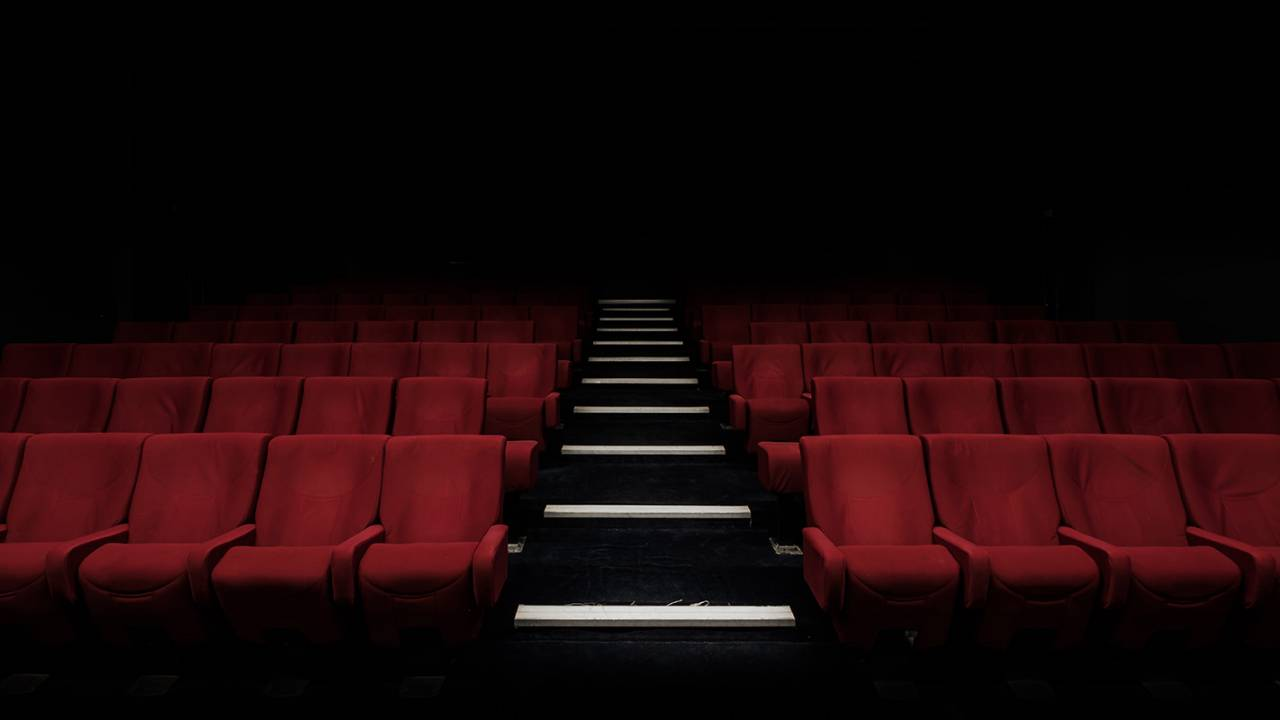 AMC scraps capacity cap plan and will close all theaters across US