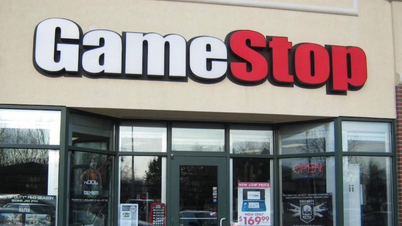 GameStop gives in, closes all US stores but still has curbside pick-ups