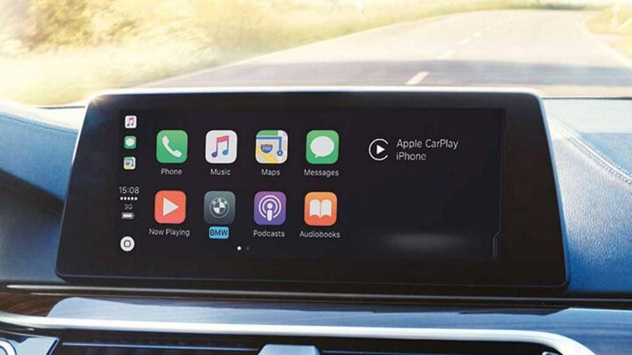 Research shows Apple Carplay, Android Auto can impair drivers to dangerous levels