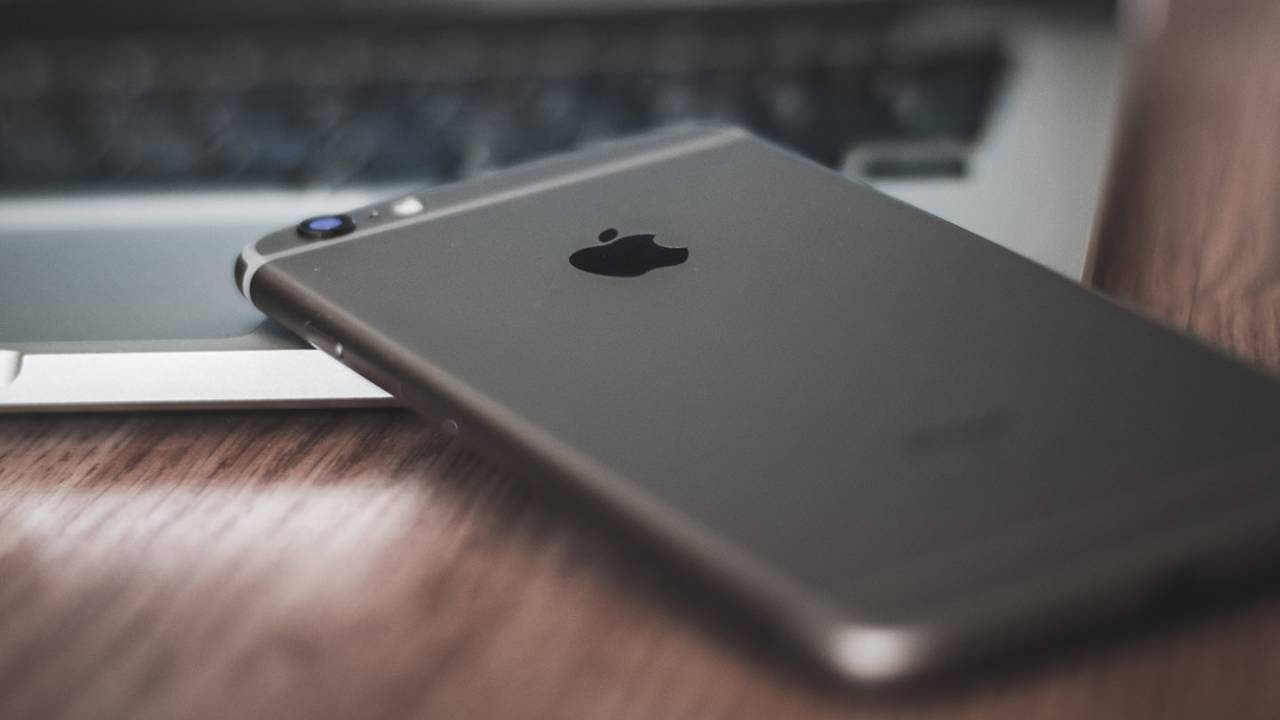 Apple may have postponed an iPhone SE2 event over coronavirus