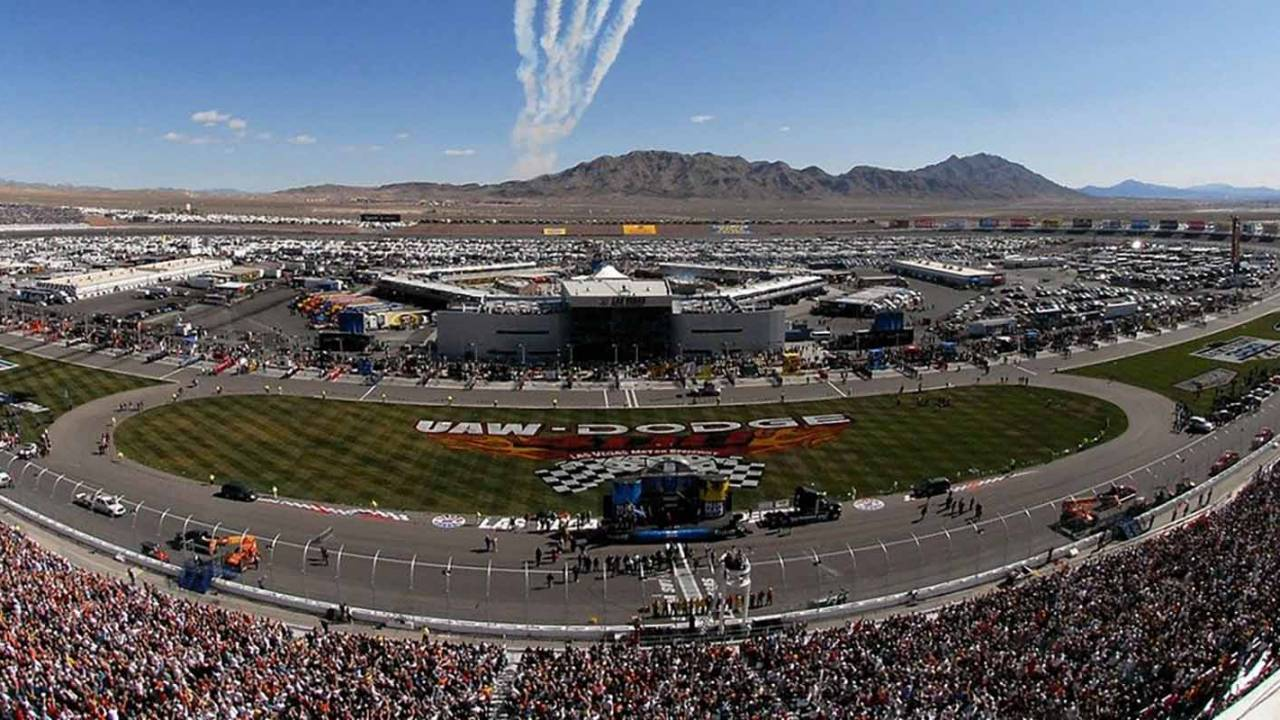 NASCAR turns to esports after canceling races over outbreaks