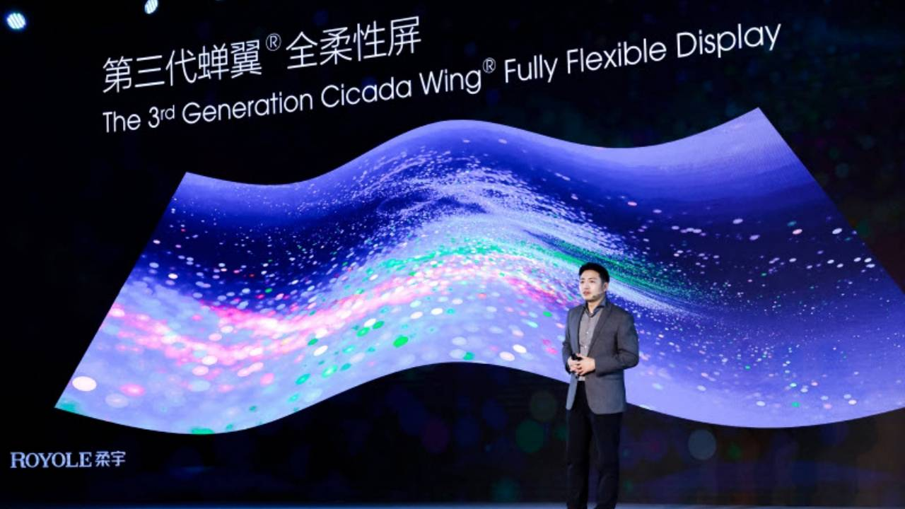 Royale FlexPai 2 foldable phone is coming next quarter