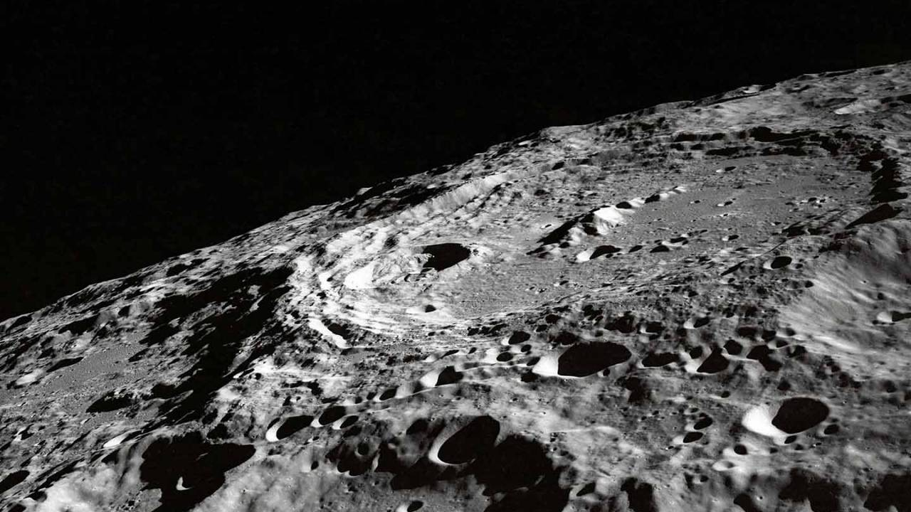 ESA helps NASA analyze unopened Apollo Moon landslide sample