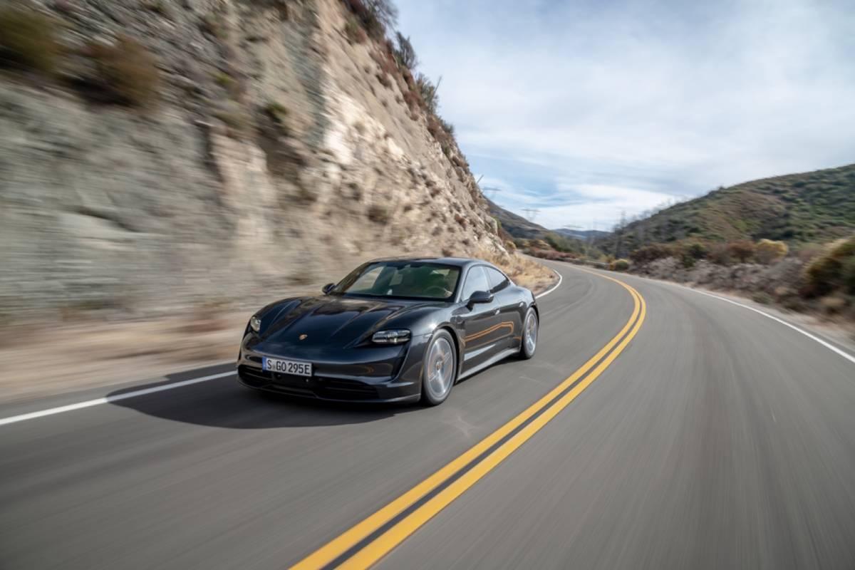 2020 Porsche Taycan 4s Arrives In Us As More Affordable Ev Updated Slashgear