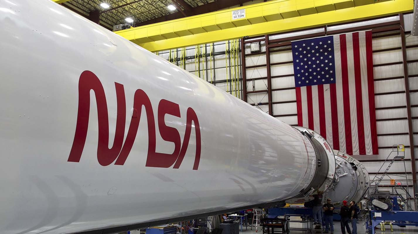 NASA's new era of spaceflight revives a much-loved logo ...