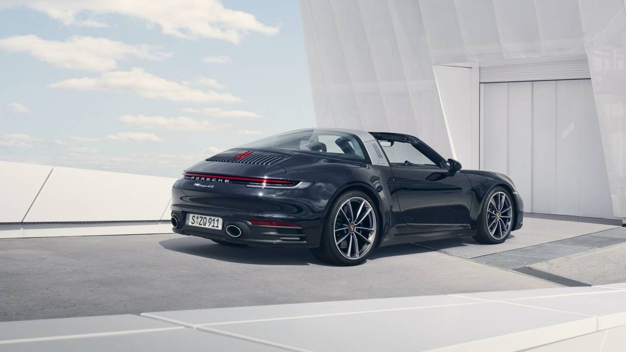 The 2021 Porsche 911 Targa roof is basically engineering poetry