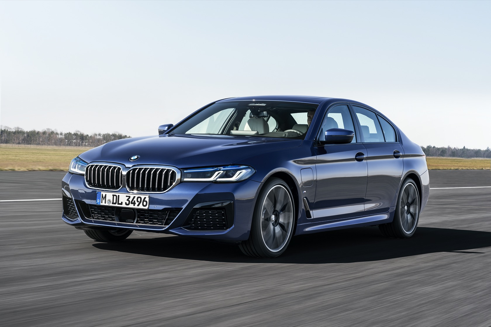 2021 Bmw 5 Series Official 523hp M550i And Two Plug In Hybrids Slashgear