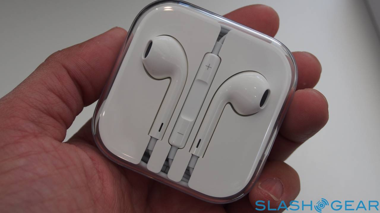 iPhone 12 axe of EarPods could lead to all-wireless device