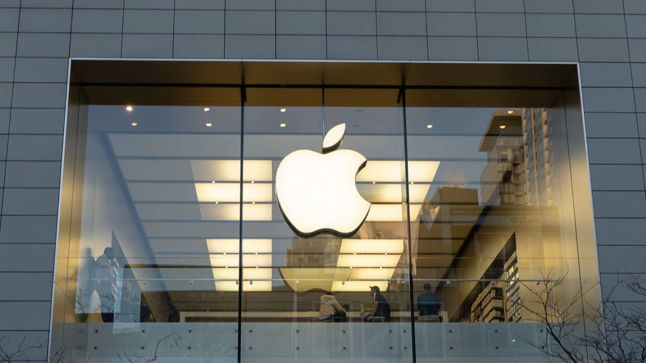 Apple's augmented reality glasses tipped to still be years from launch