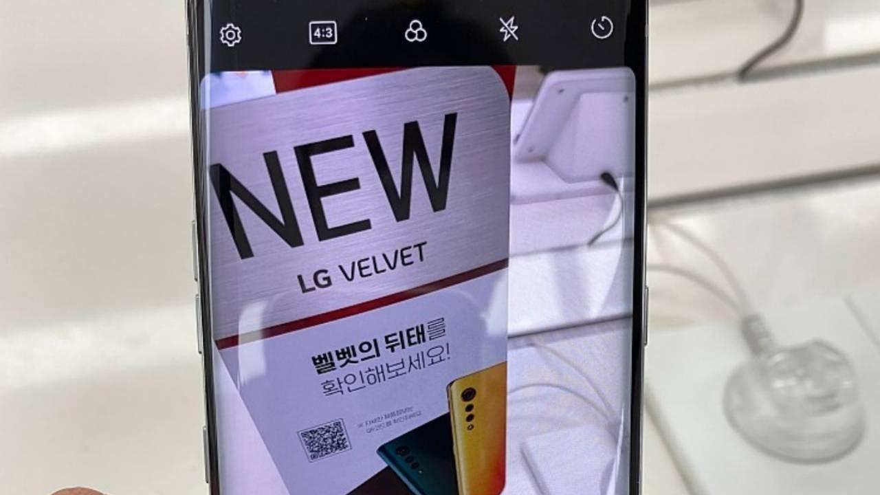 LG Velvet poses for photos, flaunts design and specs