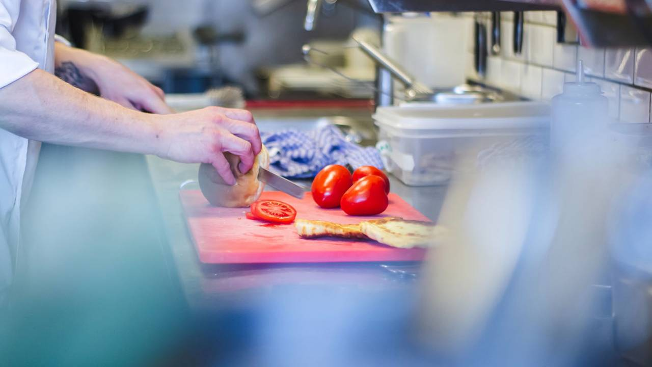 Mediterranean diet beats 13 other popular diets in long-term study