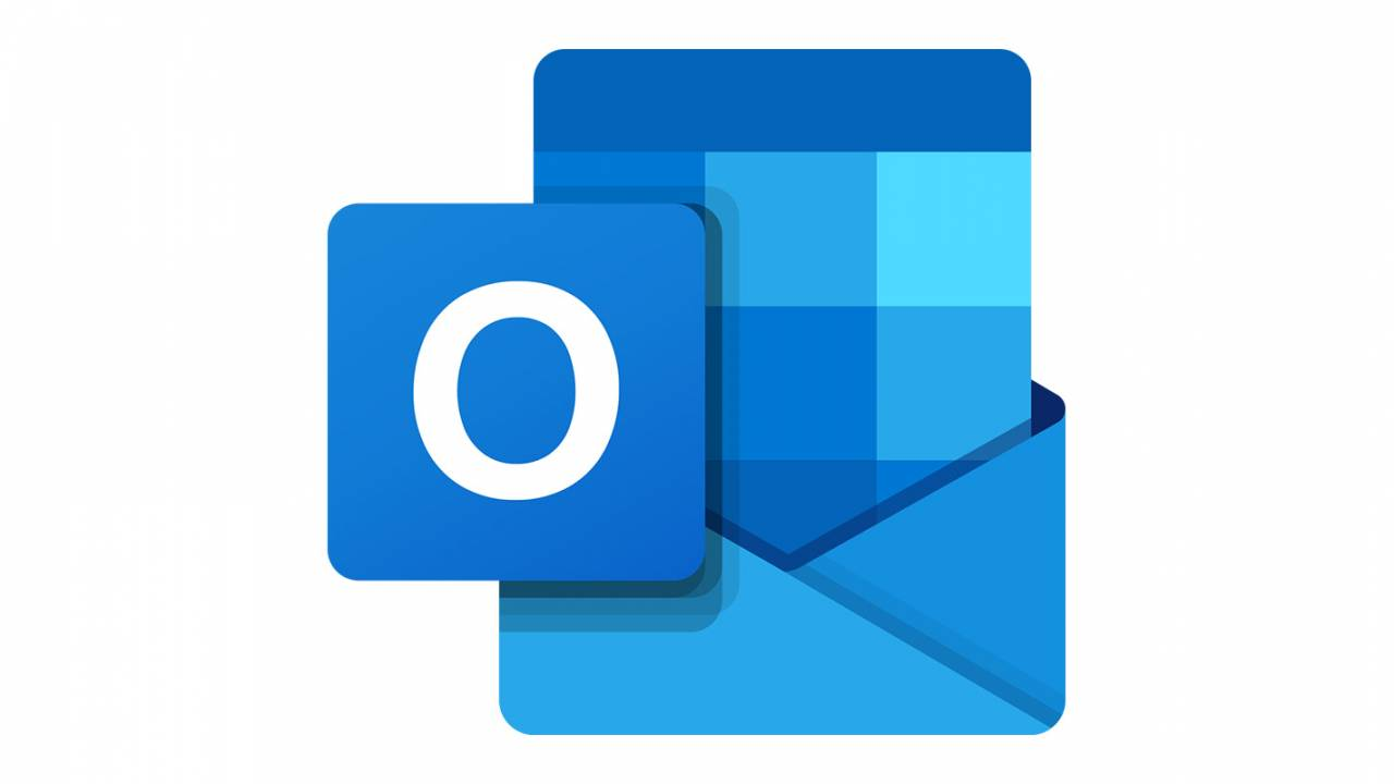 Outlook will finally get email signature syncing this summer