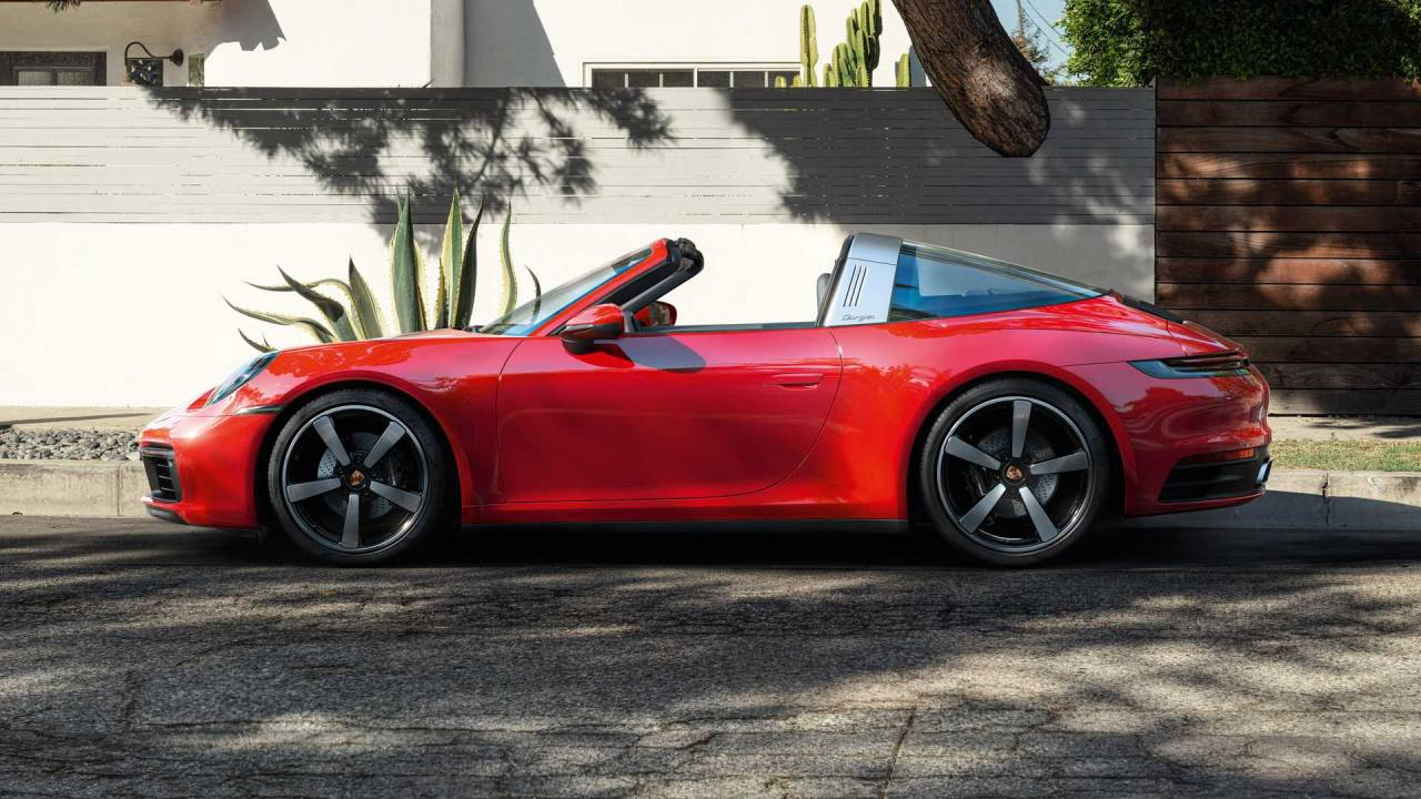 2021 Porsche 911 Targa 4 and 4S takes the center stage