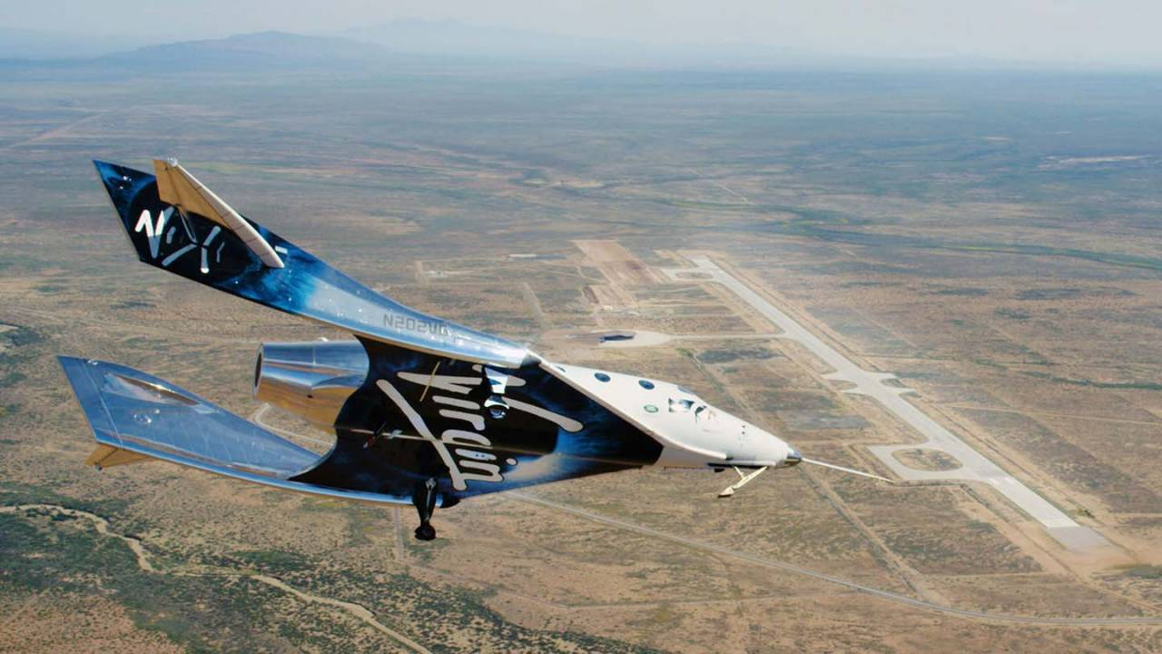 Virgin Galactic's SpaceShipTwo glides in test flight over New Mexico