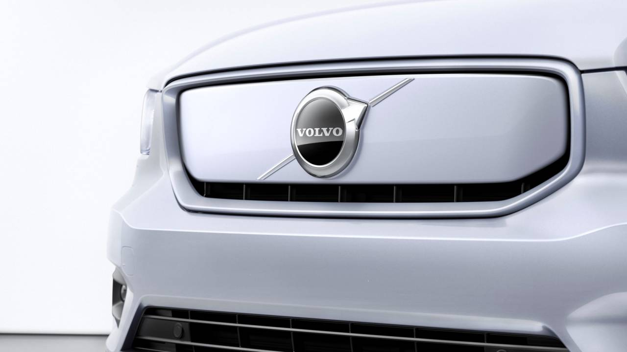 2024 Volvo XC100 luxury SUV tipped to make all-electric gamble