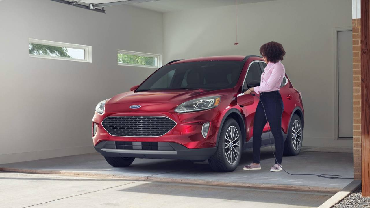 2020 Ford Escape Plug-In Hybrid beats RAV4 PHEV to 100 MPGe