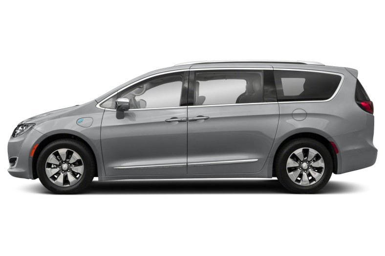 Chrysler recalls 27,000 Pacifica Hybrid minivans to address fire risks