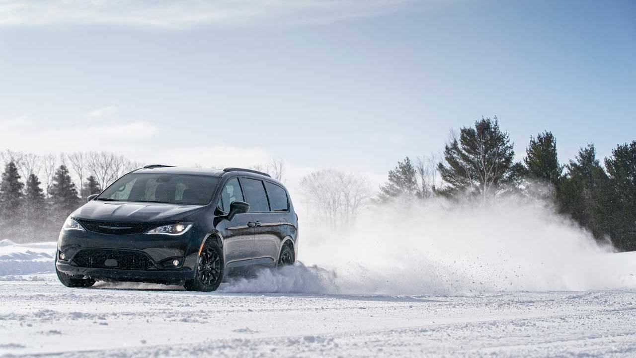 2020 Chrysler Pacifica AWD Launch Edition opens to orders