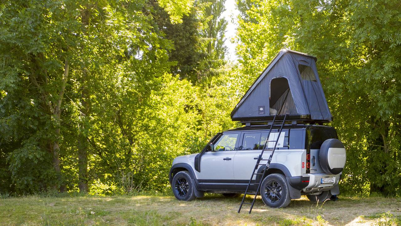 Cool Land Rover Defender roof tent costs nearly $3500