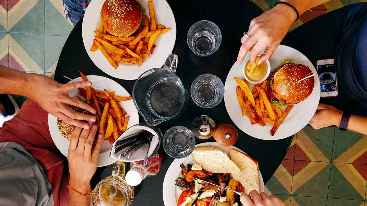 Eating late in the day may result in burning fewer calories