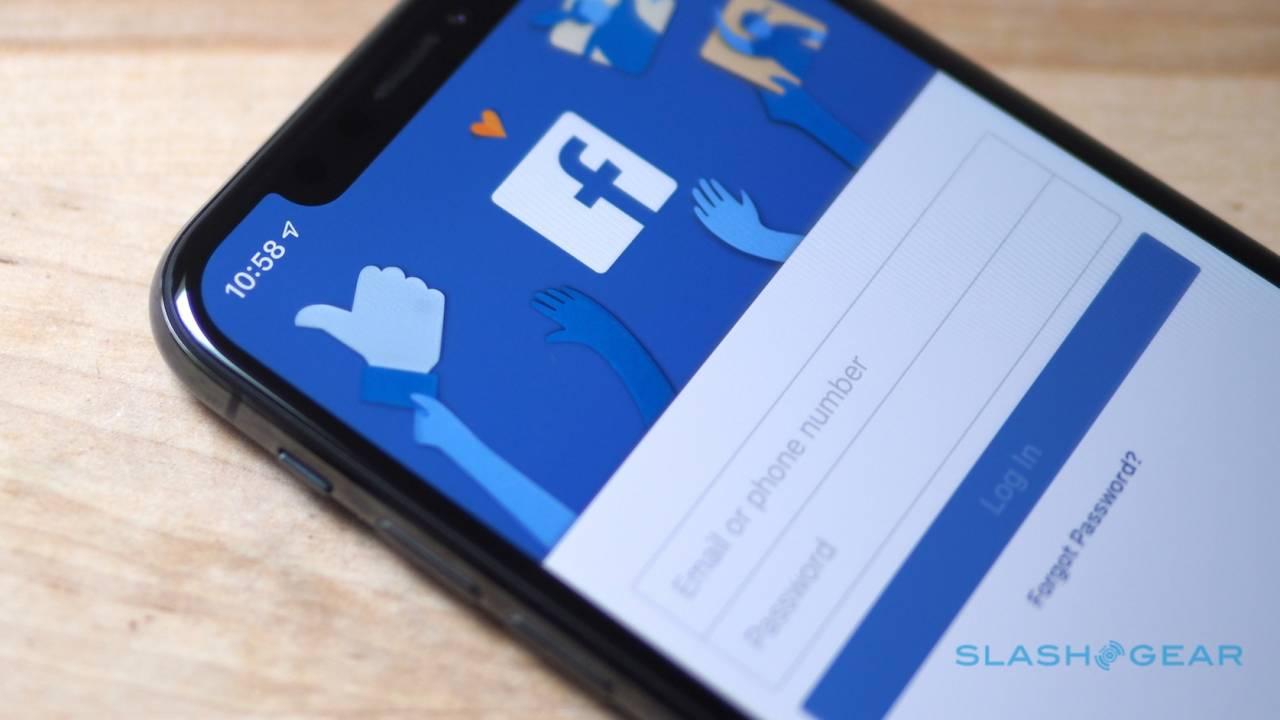 Facebook's photo transfer tool really surprised me – Here's how to use it