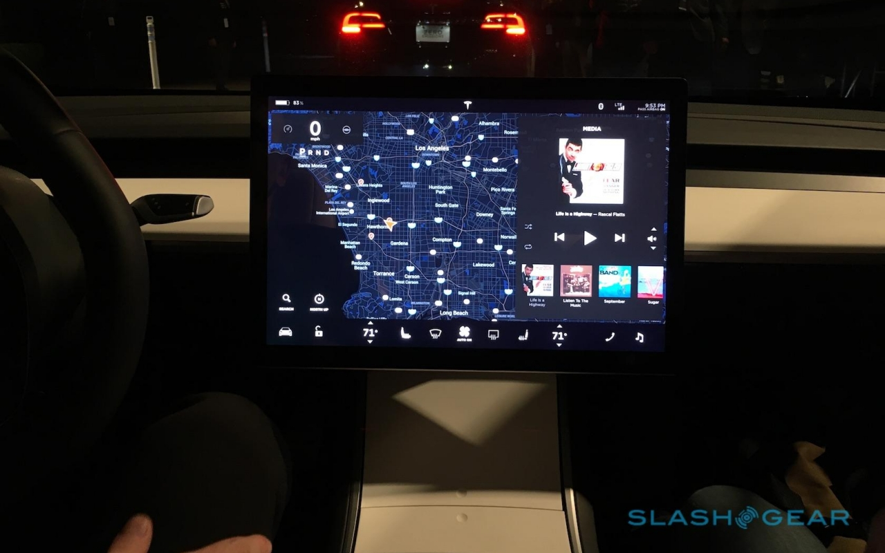 Tesla Model 3 in the US to get USB-C, wireless charging ...